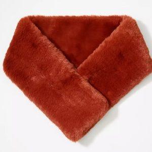 NWT! Loft faux fur pull-through scarf/ neck-wrap